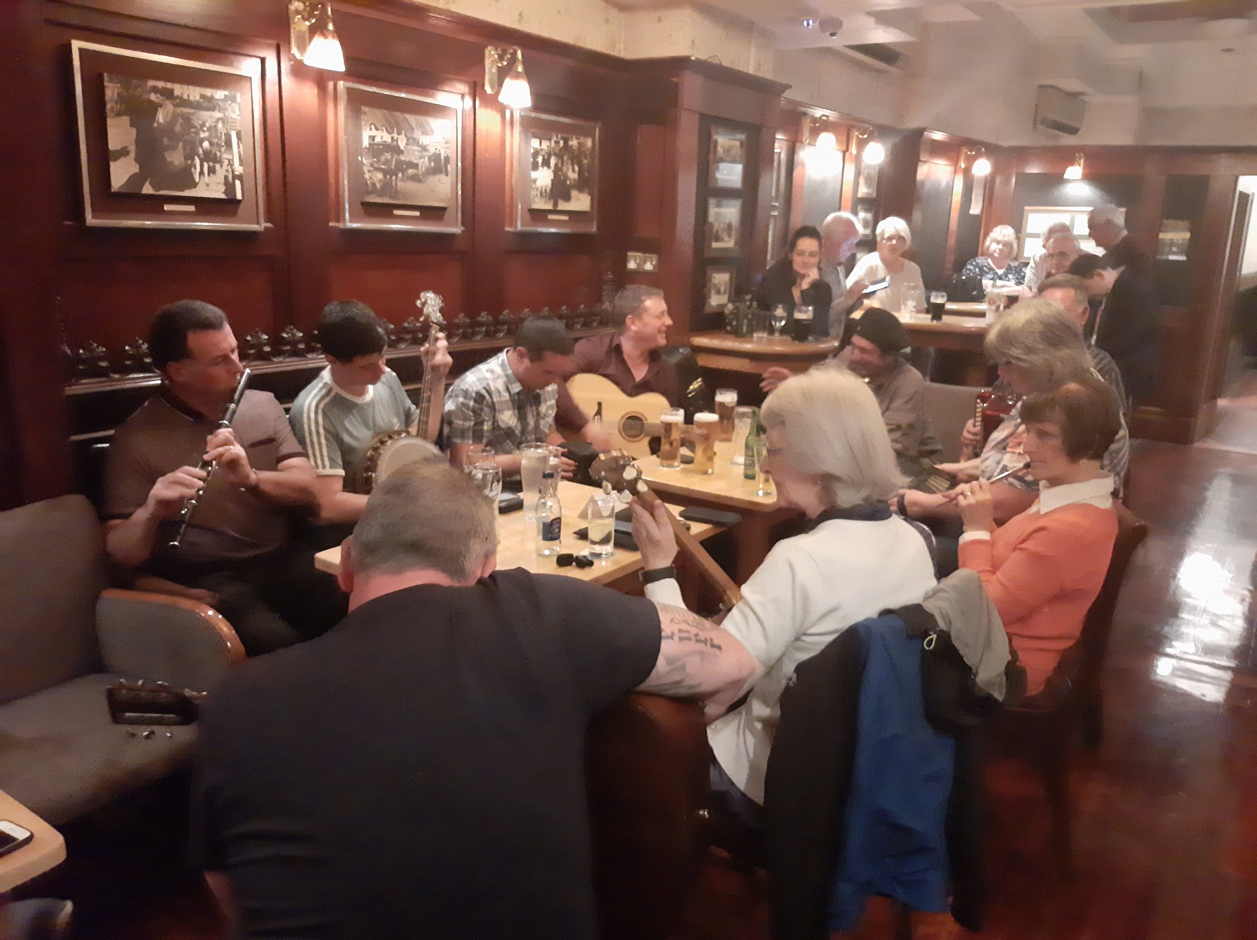 Killarney, Trad session. Irish Music Tours, Muckross House.